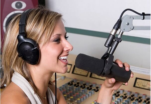 Learn How to start internet radio station legally from Home in 2020 (Free Step-By-Step Guide) | Riggro Digital